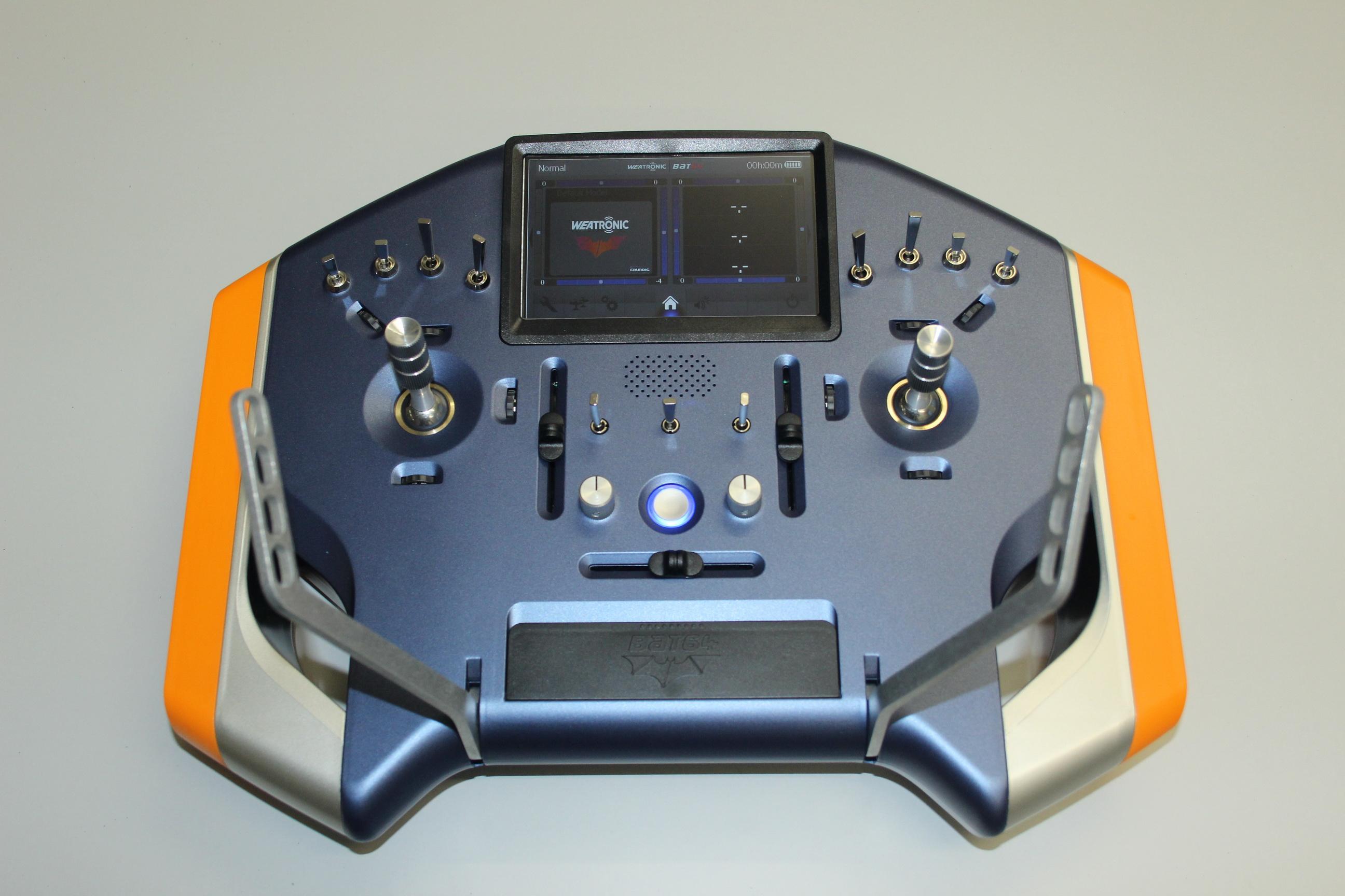 Fernsteuer Pultsender BAT64 in blau